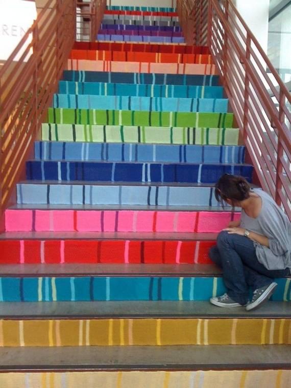Разноцветная покраска лестницы