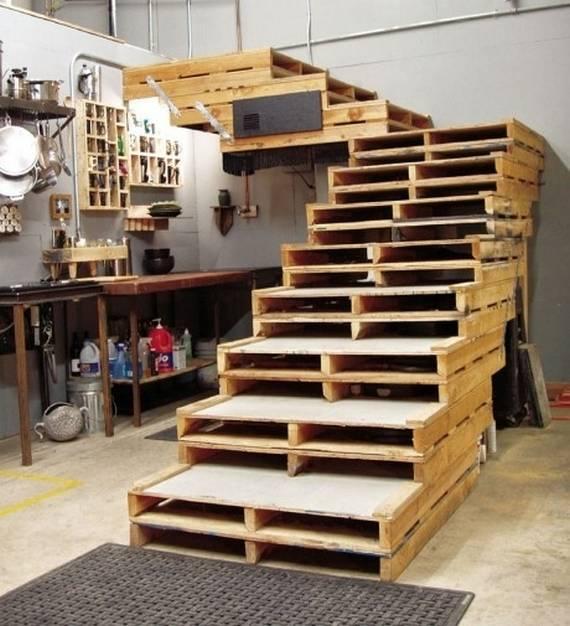 Лестница из поддонов