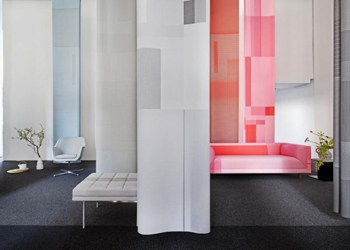 Интерьер выставки мебели