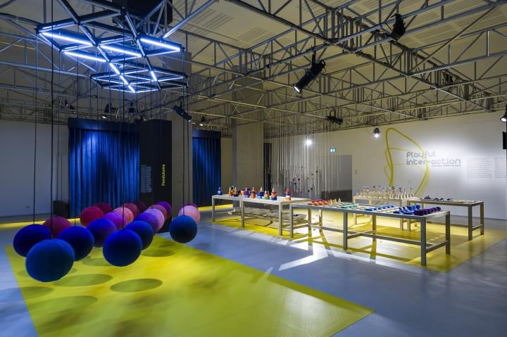 Павильон выставки работ дизайнерской студии