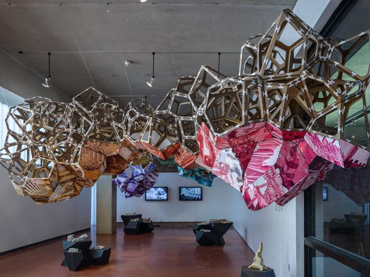 Необычное оформление павильона на выставке