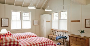 Оформление спальни в коттедже
