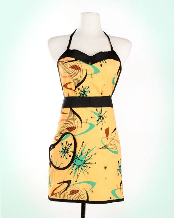 Женское платье с орнаментом