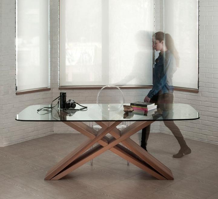 Деревянный стол со стеклянной столешницей CHEFT от Studio Pousti