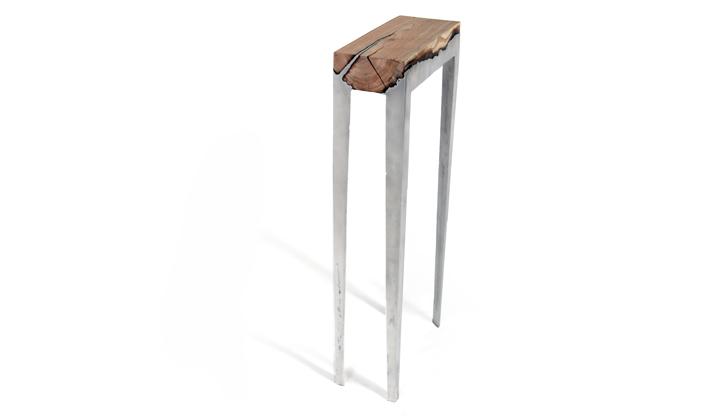 Высокие ножки стола