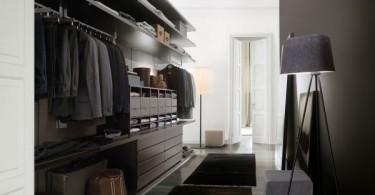 Гардеробная комната для хранения мужской одежды