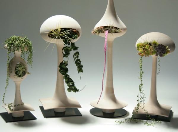 Необычные горшки с растениями