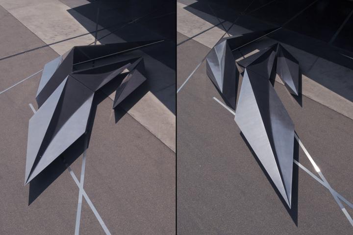 Металлический предмет инсталляции