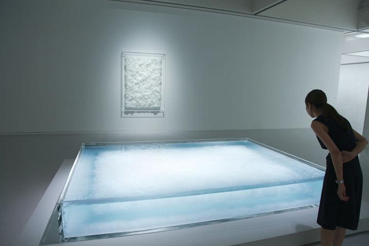 Квадратный экспонат инсталляции