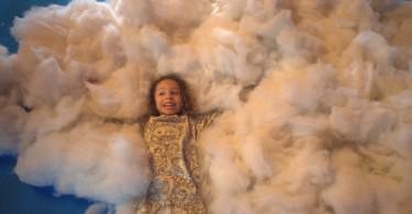 Масштабная инсталляция «Пикник на небесах» в пространстве выставки-ярмарки детской моды в Сан-Паулу