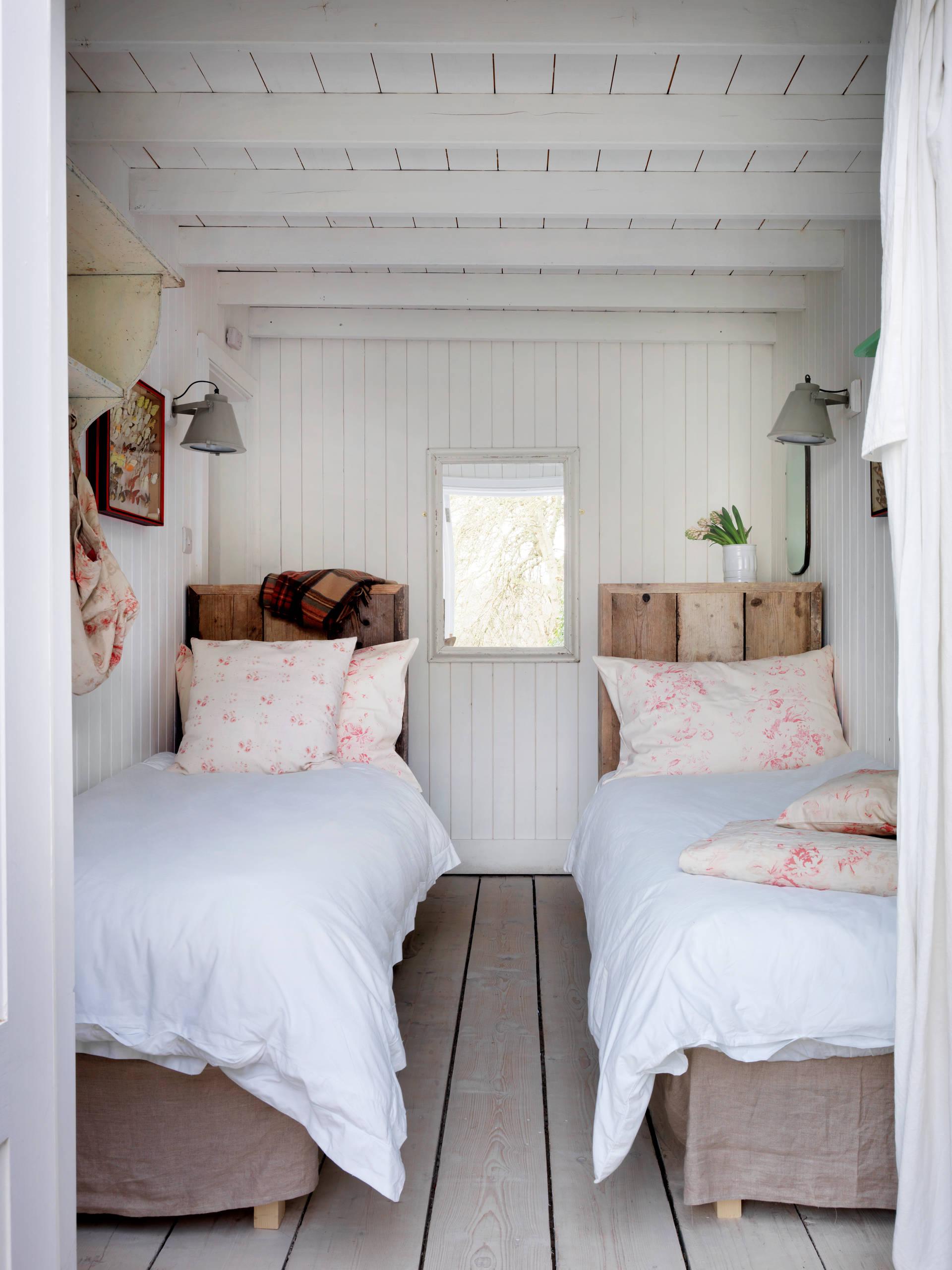Спальня в прибережном стиле
