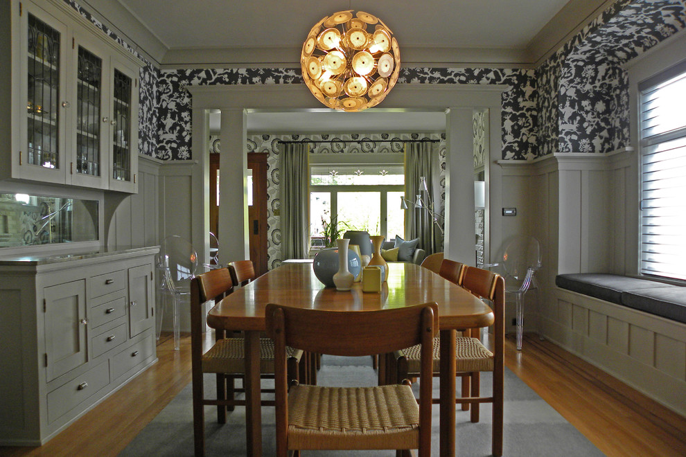 Window seat dining room