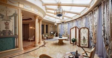 Прекрасный дворец в Подмосковье
