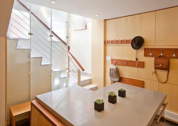 Естественное освещение от лестницы