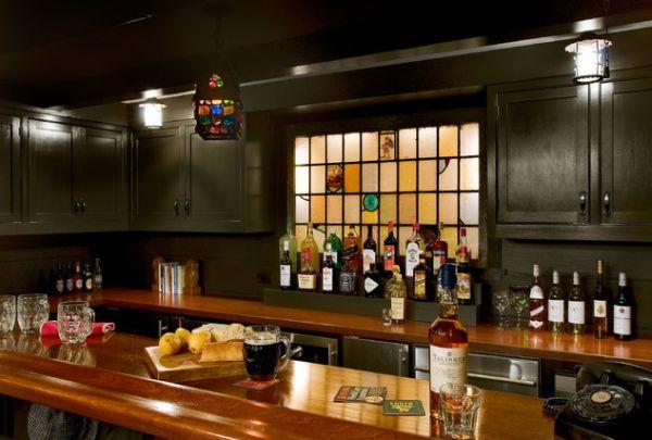 Потолочные светильники в баре