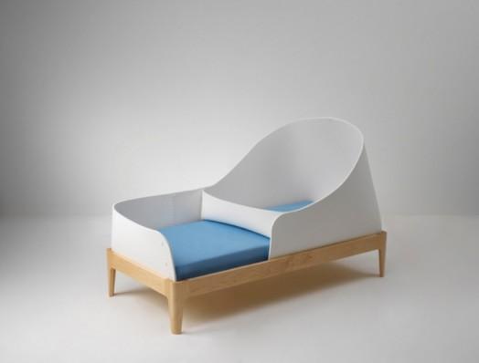 Белая кроватка для новорожденных