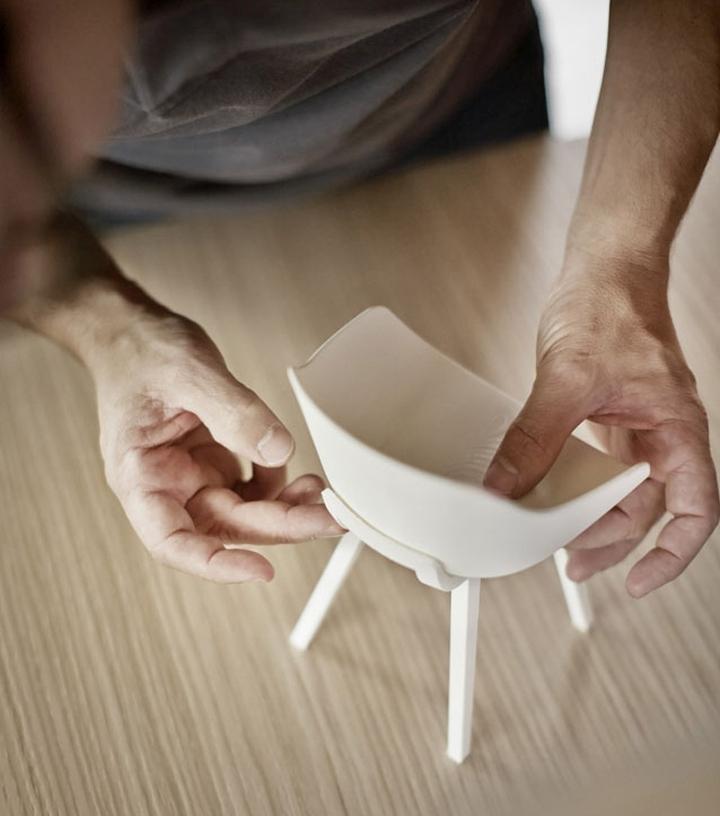 Оригинальный дизайнерский стул Kuskoa Bi в миниатюре