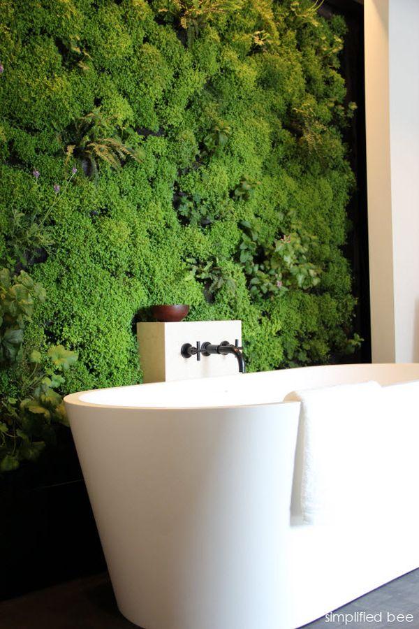 Живая стена в ванной