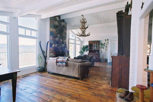 Состаренная мебель в гостиной