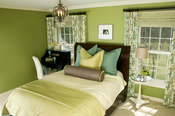 Интерьер спальни в зеленом цвете