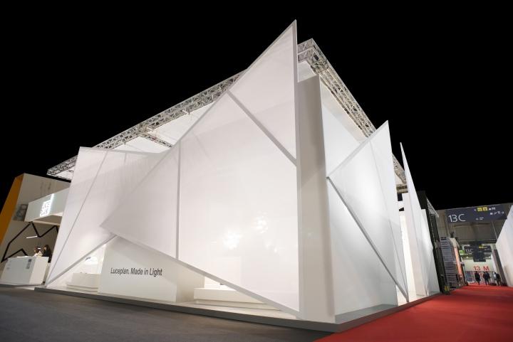 Светодиодное освещение павильона выставки