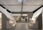 Архитектурный интерьер выставочного павильона Luceplan
