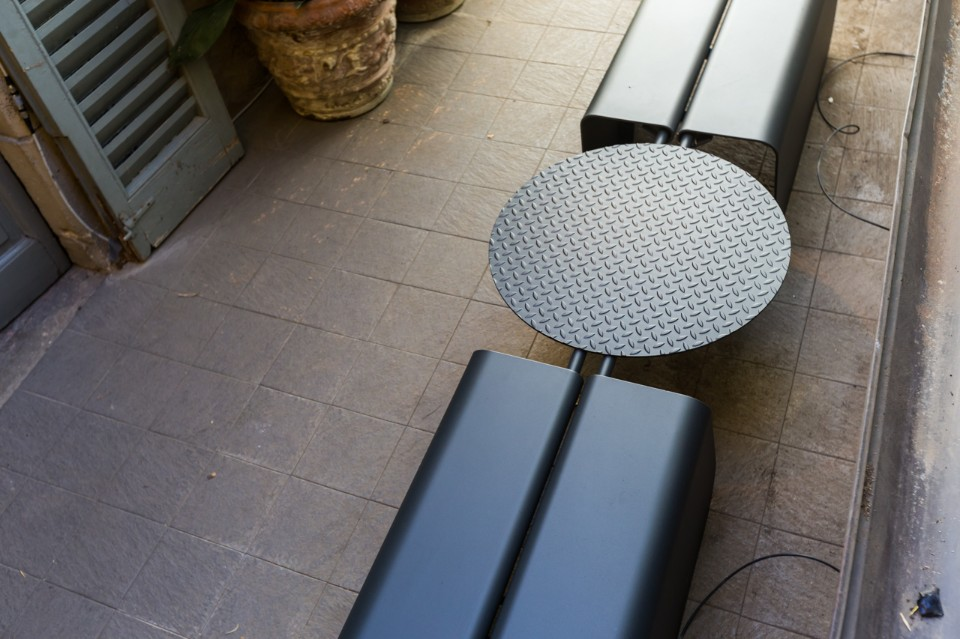 Лоренцо Дамиани: уличная скамейка Benna