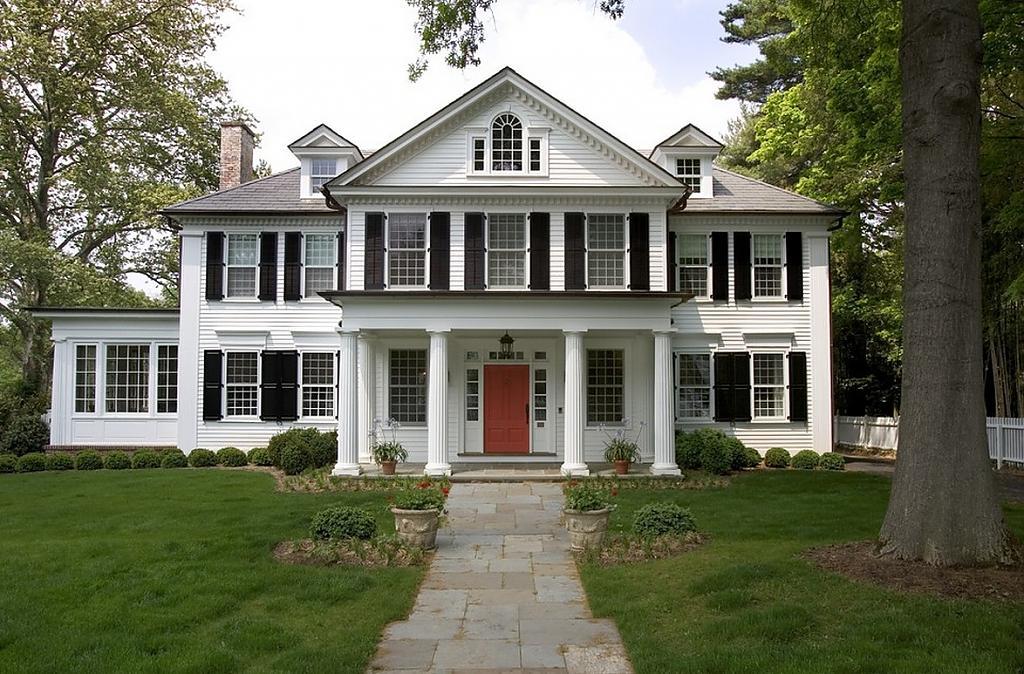 Американский дом в колониальном стиле