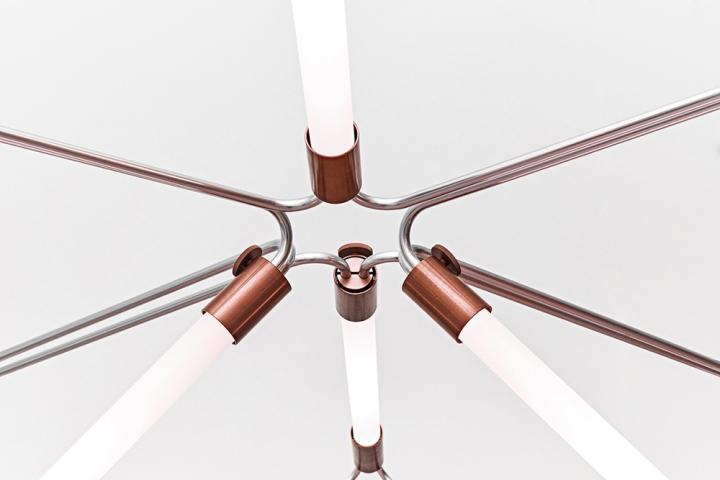 Металлическое крепление люстры Mobi Customizable от дизайнера James Dieter