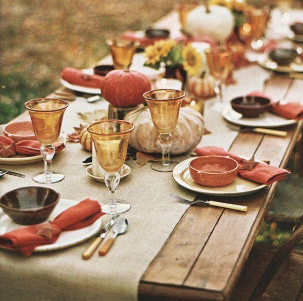 Сервировка стола ко дню Благодарения в деревенском стиле