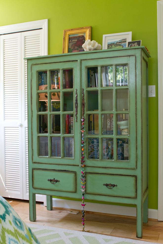 Винтажный шкаф в интерьере
