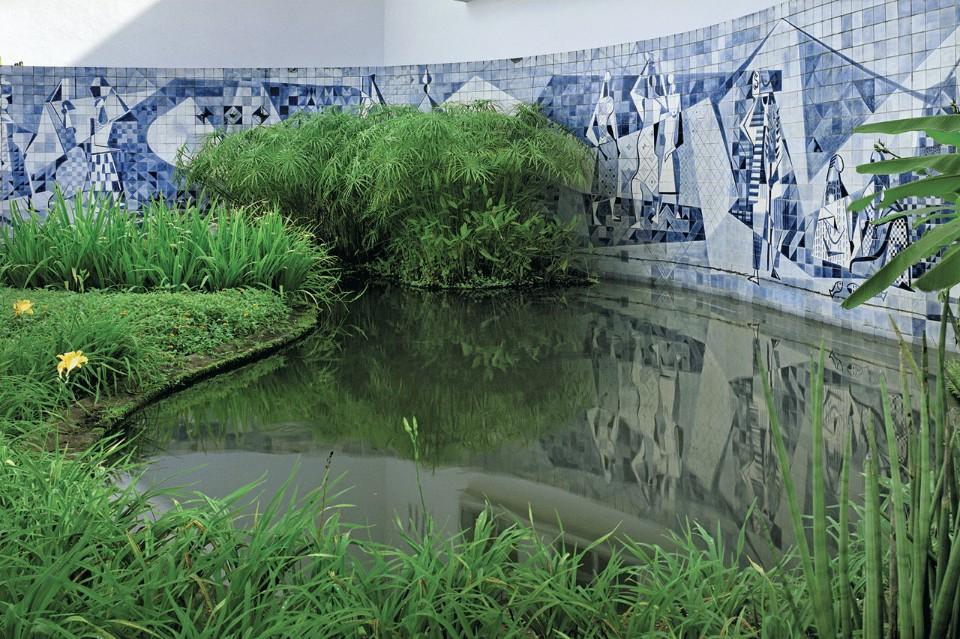 Декор стен от  Роберто Бурле-Маркс
