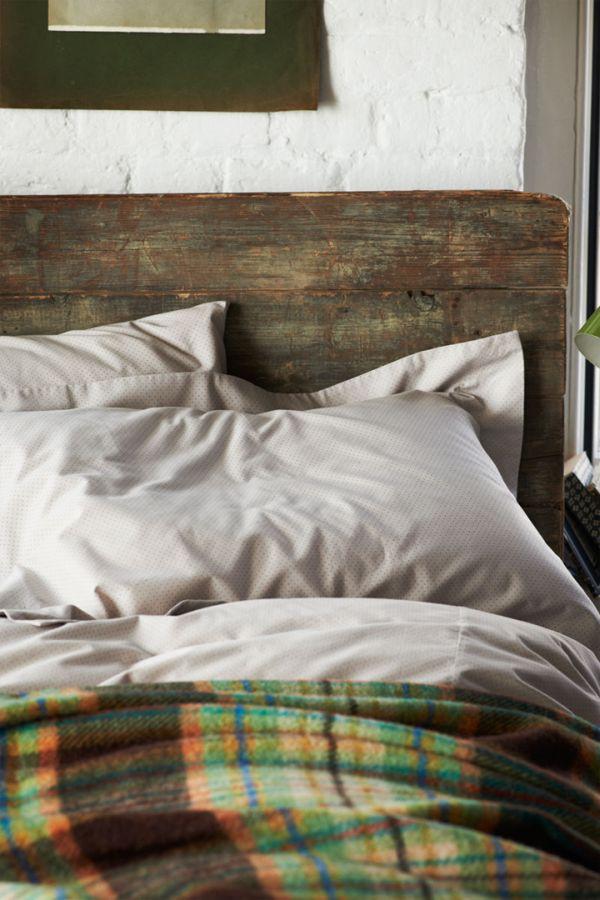 Деревянная состаренная спинка кровати