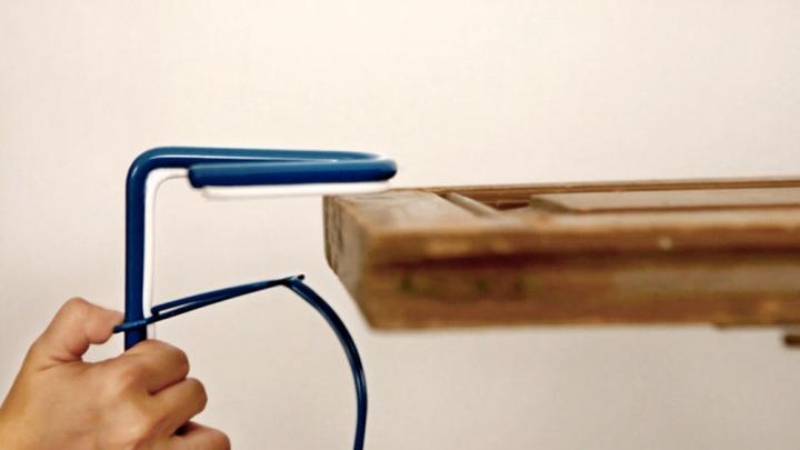 Настольный светильник на SNAP-подставка от Be-elastic в интерьере