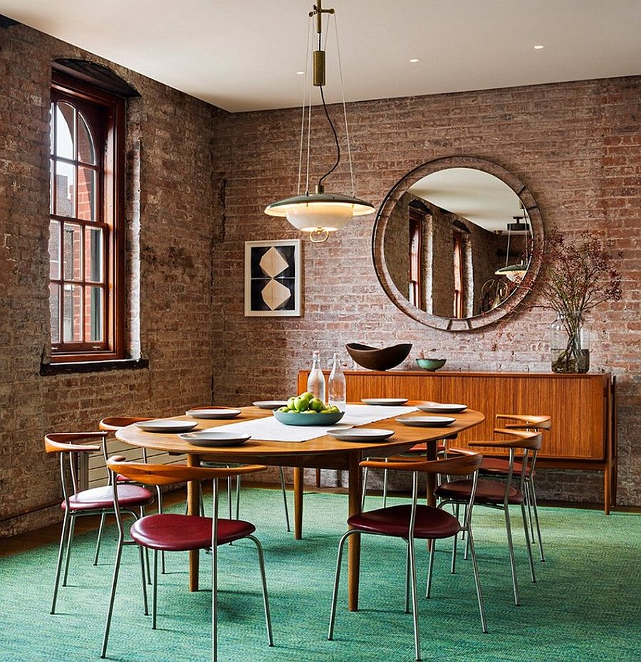Обеденный стол в апартаментах Sensational NYC Loft в Нью-Йорке