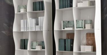 Современная лёгкость и обтекаемость в образе книжного стеллажа Iron-ic от Ronda Design