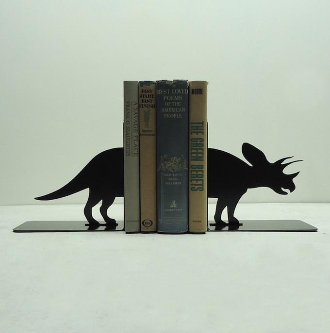 Подставка для книг в форме носорога