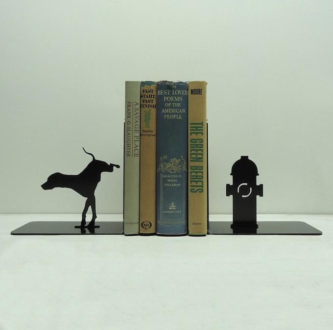 Подставка для книг в форме собаки