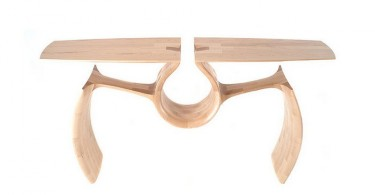 Креативный стол The Maple Entry Table от Chance Coalter