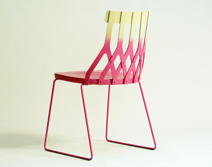 Двухцветный стул от Sami Kallio