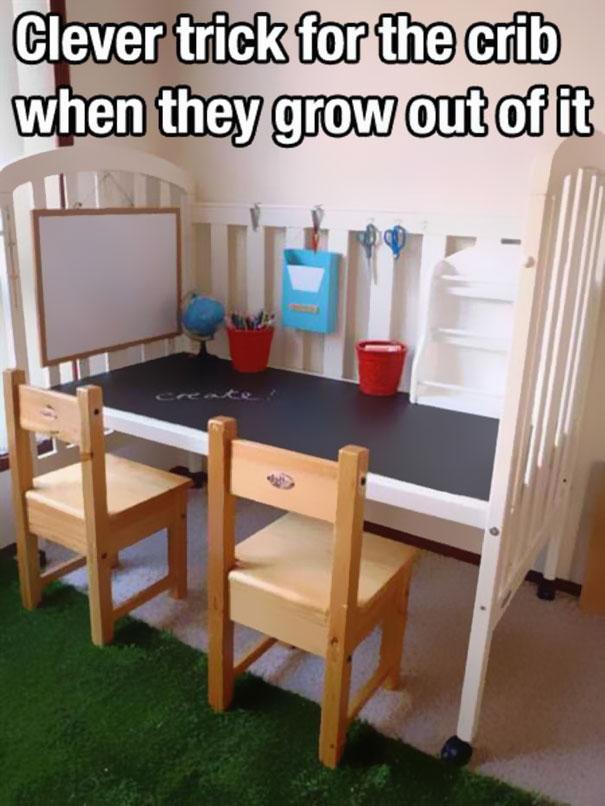 Рабочий стол в виде детской кроватки