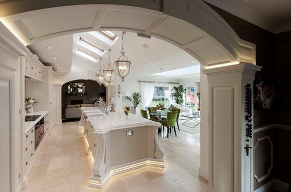 Подвесные светильники-фонари на кухне