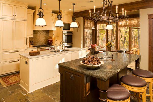 Подвесные светильники над кухонной рабочей поверхностью