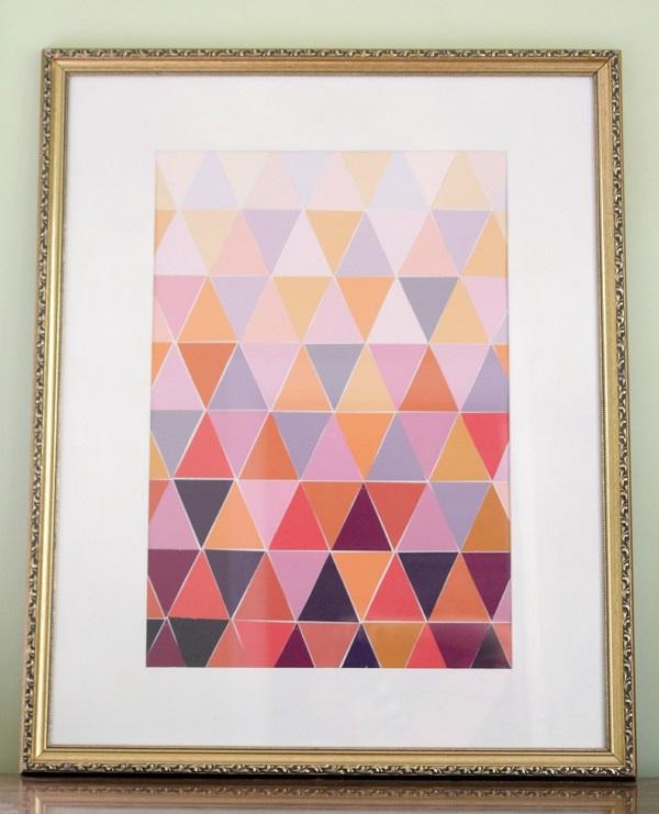 Картина с треугольниками переходящих цветов