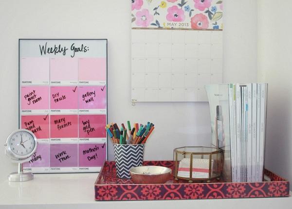 Календарь и напоминалки в розовой палитре