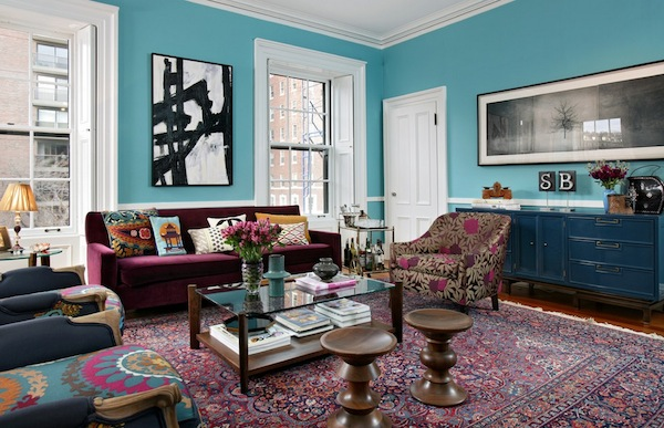 Интерьер гостиной в разноцветных оттенках