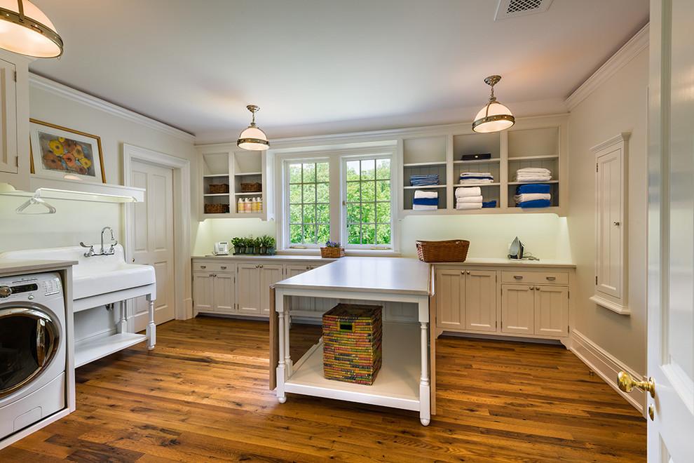 Кухонный остров с раздвижным столом
