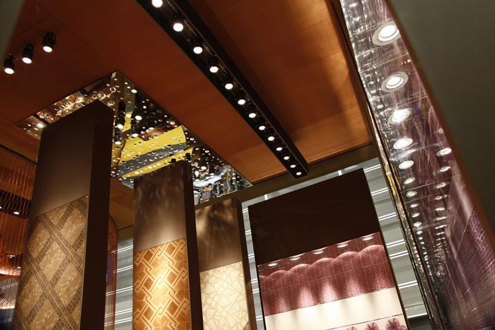 Красивое оформление потолка  в павильоне