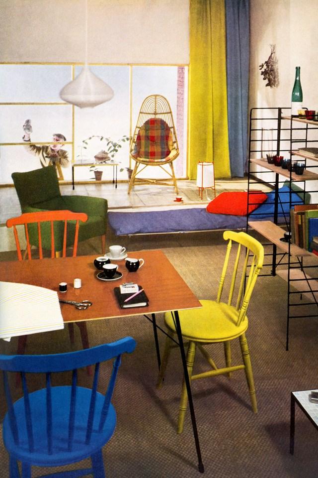 Радужные цвета винтажной мебели