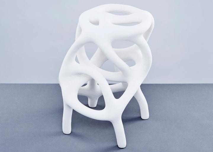 Фигурный предмет мебели от Studio Ilio